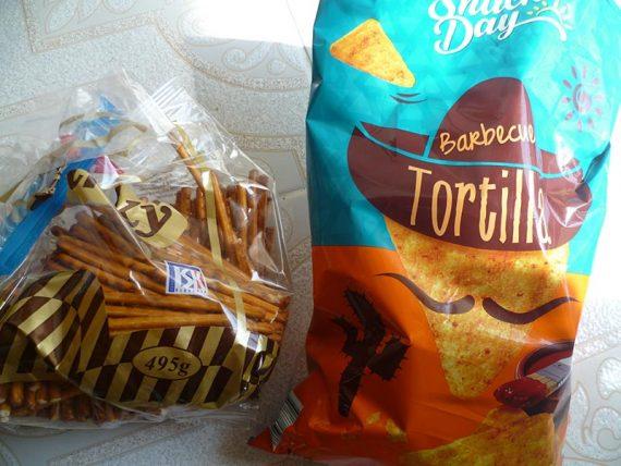 Bez palmového oleja. Dru slané tyčinky obsahujú repkový olej. Tieto kukuričné čipsy slnečnicový olej.